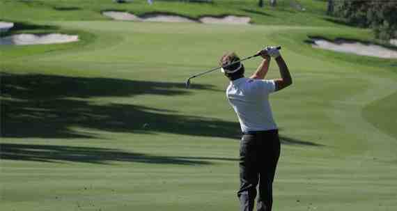 Comment eviter les tops et les grattes au golf ?