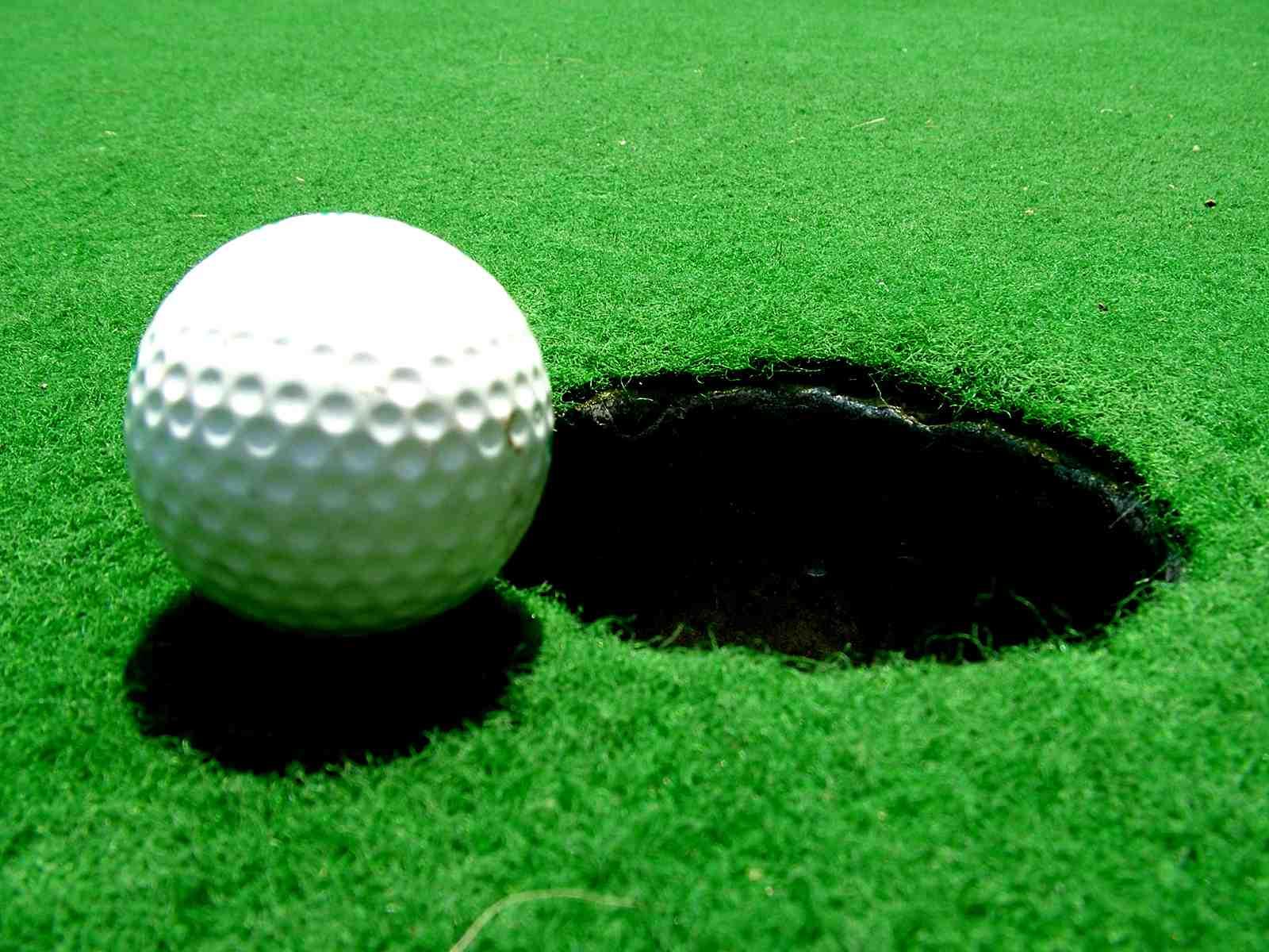 Où placer la balle au golf ?